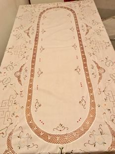 Large hand embroidered tablecloth, and lace band - Italy