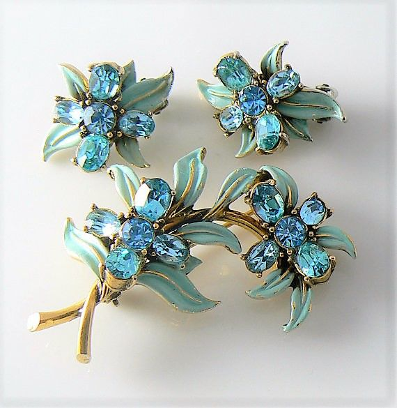 Signed HOLLYCRAFT - Demi Parure - RARE Brooch & Earrings - CORP. 1955