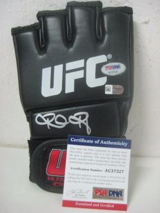RONDA ROUSEY Signed UFC MMA Fight Glove with PSA / DNA and FANATICS certificate