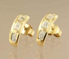 14 kt bicolour gold ear studs set with 6 single cut diamonds, approx. 0.03 ct in total