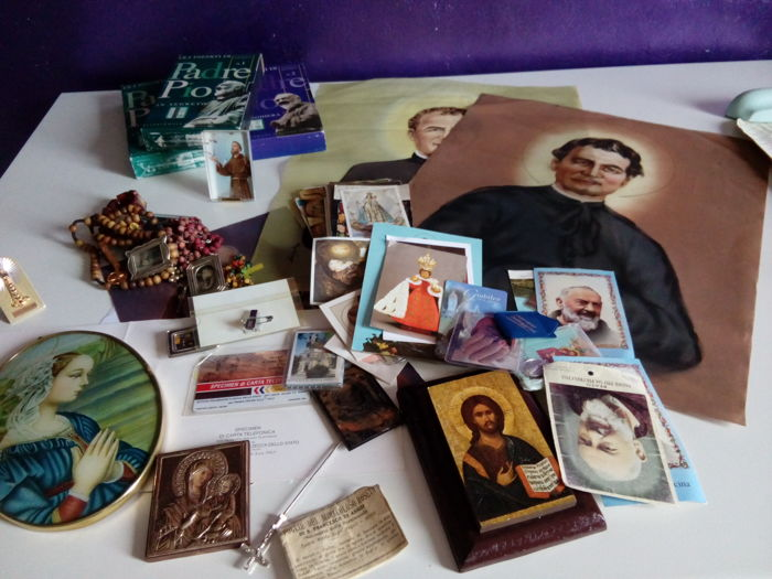 Icons, holy cards and devotional items