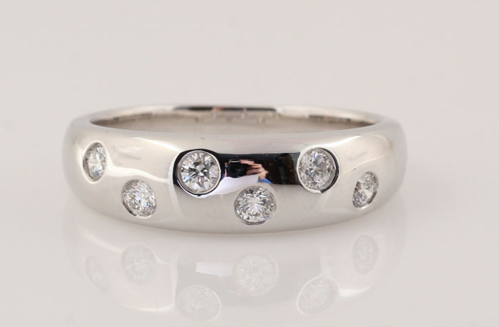 Platinum (950) diamond ring 0.27 ct / G-H VVS2-VS2 / Strong sparkle / 8.20 g / 56