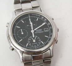 Seiko men's chronograph wristwatch, from the 1990s.