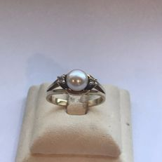14 kt Yellow gold women's ring with diamonds and freshwater sea pearl, 0.04 ct – size 16.5 mm