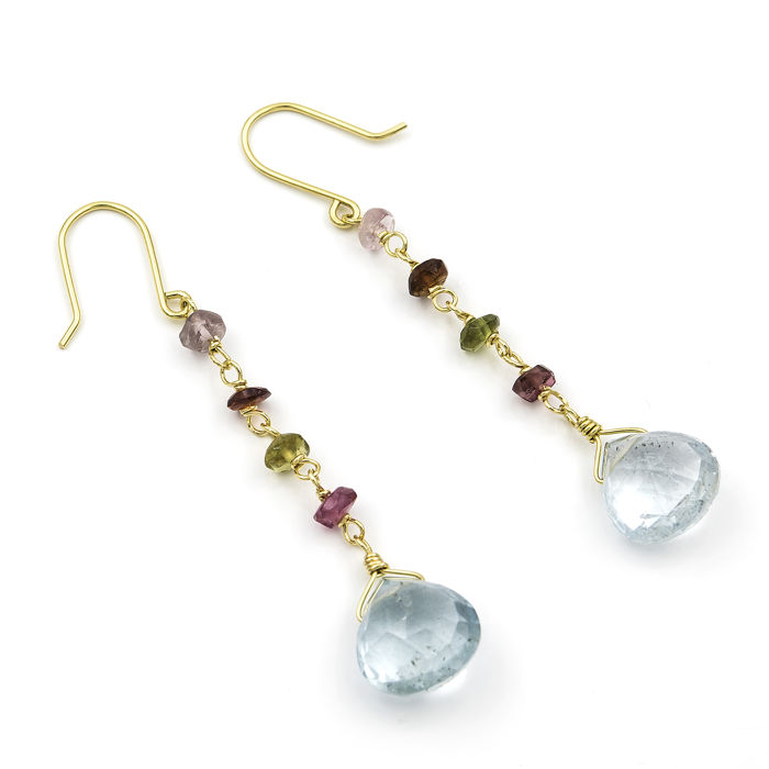 18 kt (750/1000) yellow gold – Earrings – Assorted tourmalines – Aquamarine – Earring length:  50.35 mm