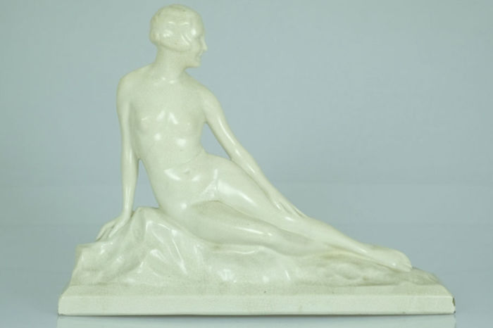 Art Deco porcelain statue of a female nude