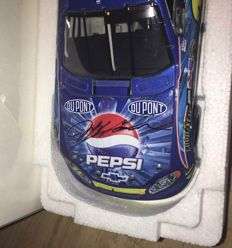 2004 Jeff Gordon Pepsi Shard Raced/Win