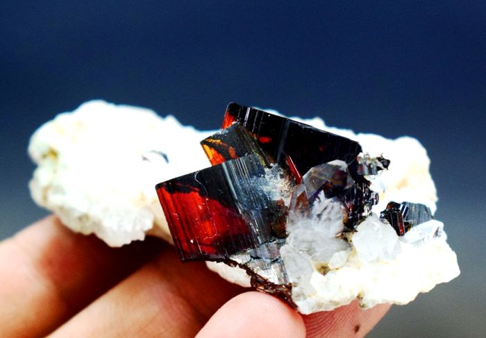 Rare Red/Brown Brookite with Quartz specimen - 63 x 30 x 18 mm - 20 gm