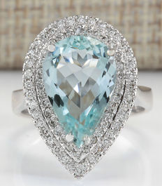 4.74 Carat Aquamarine in 14K Solid White Gold Diamond Ring Ring Size: 7 *** Free shipping *** No Reserve *** Free Resizing