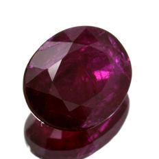 Red ruby - 0.80 ct