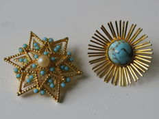2 Yellow gold plated brooches with faux turquoise and pearl