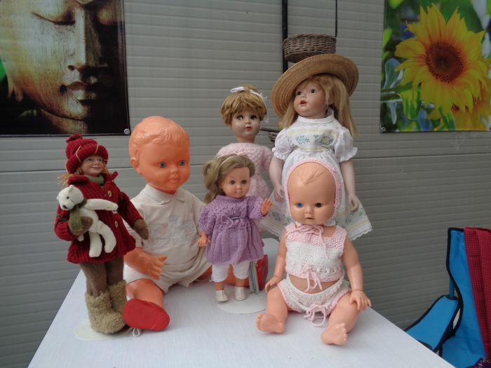 6 dolls, including replica Kestner