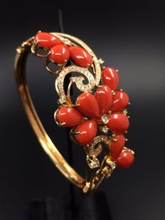 18k red coral bracelet - the 21st century.