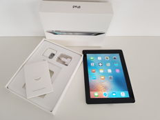 Apple Ipad 2 WIFI 64GB in original box. With Kensington keyboard.