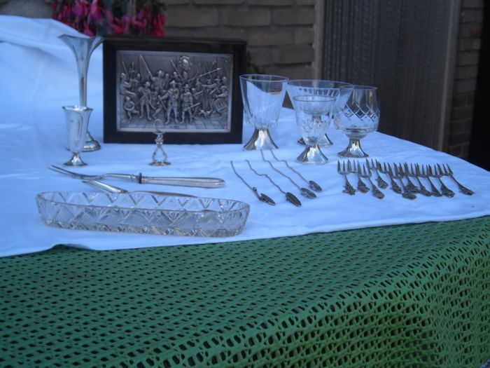 Table silver including wooden spoon box with silver inlaid lid presenting the night watch see all photos for a clear picture - crystal with silver foot - sugar scoop etc - for clarity see all photos