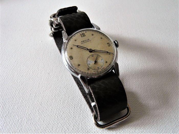 REVUE Man's Military Wristwatch World war Two Era Circa 1939