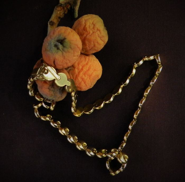 18 kt solid gold choker/necklace