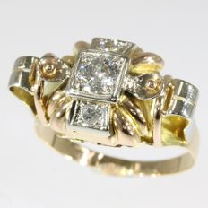 Impressive Retro ring with big old brilliant cut diamond - anno 1950