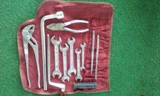 Mercedes-Benz original tool kit set