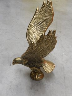 Beautiful Vintage Metal Brass Eagle Bird Car Auto Mascot with thread ready to mount