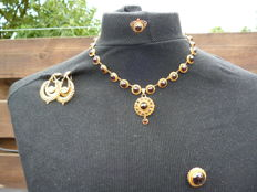 "Complete set of ""bootjes"" (boats); necklace, ring, necklace, earrings, brooch"
