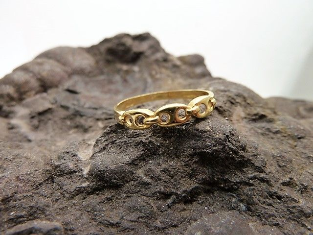 Ring in 18 kt gold. Approx. inner diameter: 17.9 mm No Reserve.