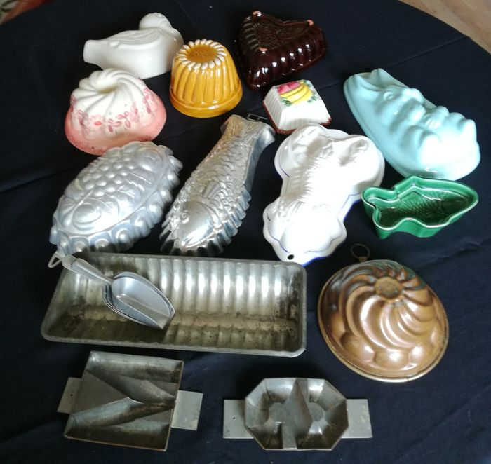 Various pudding moulds/baking tins