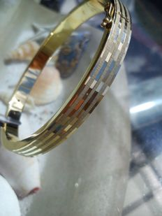 Gold bangle with pattern - hinge