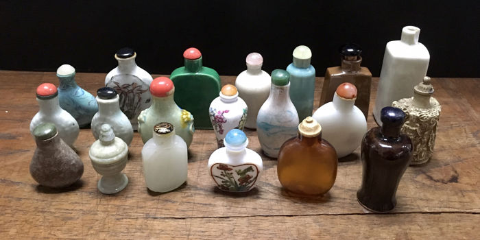 20 assorted snuff bottles - China - late 20th century
