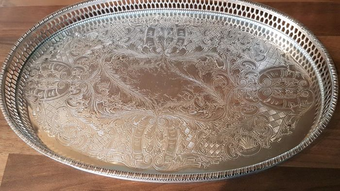 Beautiful silver plated Tray by Viners of Sheffield