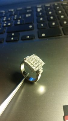 18 kt gold ring with 1.00 ct diamonds – Size 14