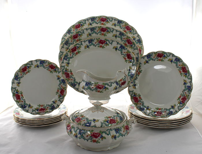 Gorgeous Vintage Booth Floradora Dinner Service - 6 Place Settings, 17 Items