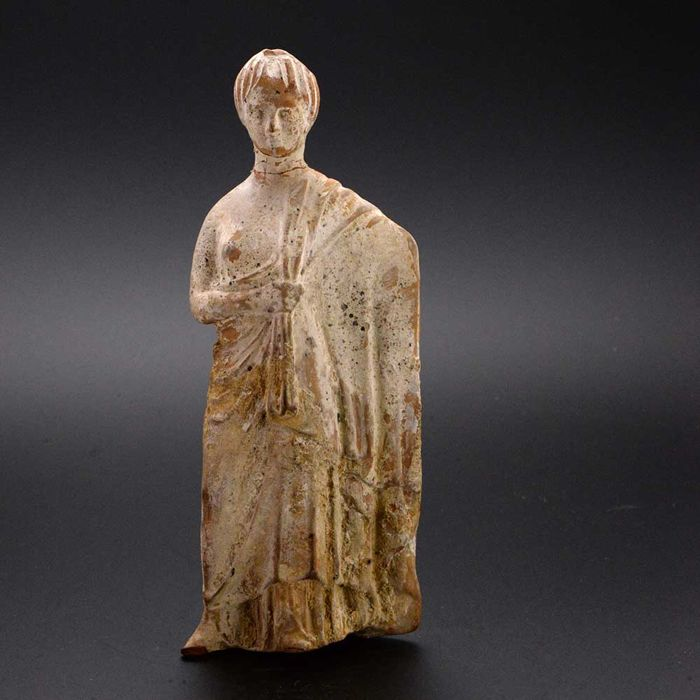 A Boeotian Tanagra Terracotta Figure of a Lady - H. 15.5 cm (6 inches)