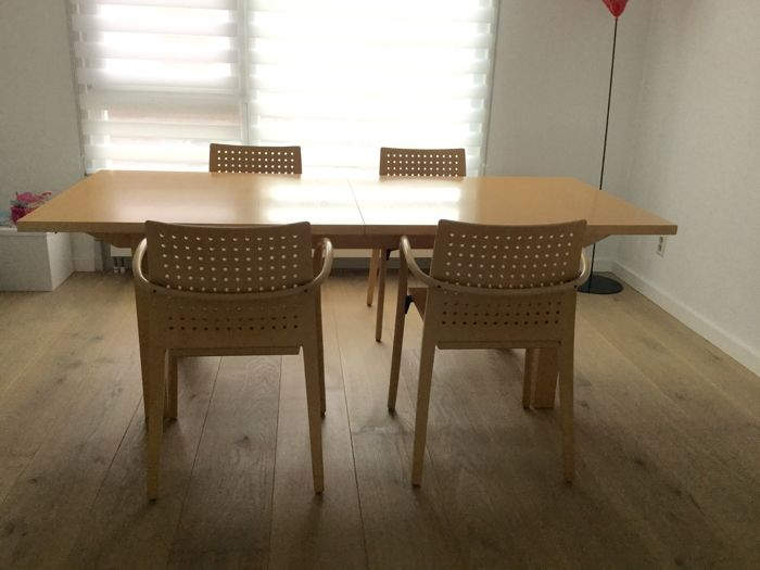 Thonet - wooden table with four chairs (with armrests)