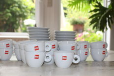 Illy - 22 coffee cups and saucers