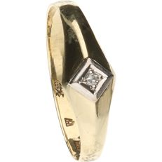 14k Yellow gold ring set with 1 brilliant cut diamond of approx. 0.02 ct - Ring size: 17.75 mm.