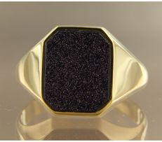 14k yellow gold signet ring set with a purple-blue gold stone, ring size 19.25 (61) ****No Reserve Price****