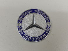 Very Rare Early Issued Large Version Mercedes Benz 200,000 km Mileage Bonnet Enamel Car Auto Badge - 8 cm across