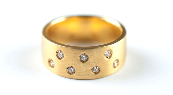 18 kt yellow gold – Wedding ring –0.20 ct diamonds – Ring size: 15 (Spain)