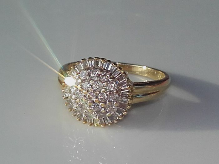 Beatiful Ring with 50 diamonds 1,28 ct. *** No Reserve **