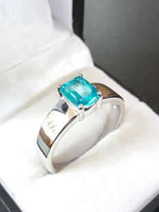 A Stunning Genuine Brazilian Batalha Topaz Unisex Ring in Sterling Silver