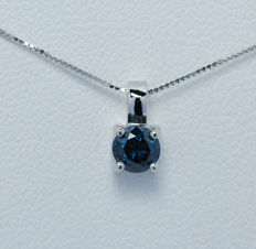 18Kt white gold pendant  with blue diamond of 0,41 ct. - 45 cm