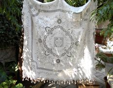 Magnificent vintage linen tablecloth!