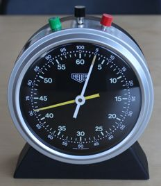 HEUER race time keeping stopwatch — Ref 713 / 60 min + 60 sec. Flyback function - BMW PORSCHE FERRARI