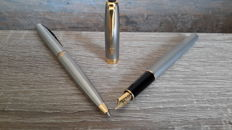 Lot of 2 pins-1 Parker Sonnet CT Steel fountain pen and Ballpoint Parker Inflection GT 1 Steel in original Parker box