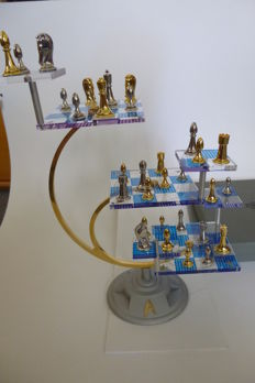 Star Trek 3D chess game by Franklin Mint, 1994
