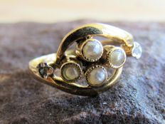 Gold ring with Seed Pearl and rose cut Diamond Napoleon III period NO RESERVE PRICE