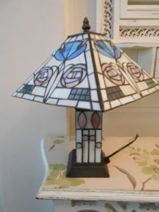 Vintage English table lamp with lamp socket