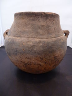 Earthenware urn from the bronze age period - 150 mm