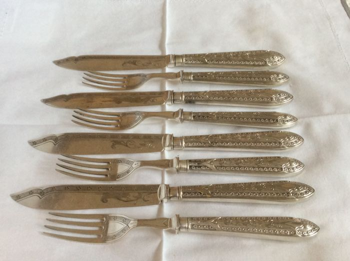 Silver plate very ornate assorted cutlery
